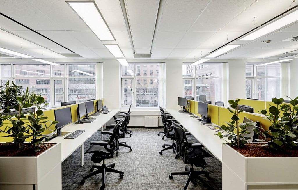 el-diseno-de-muebles-para-call-center-influye-en-el-rendimiento-de-los-empleados-1