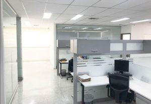 tipos-de-divisiones-para-oficinas-de-acuerdo-a-sus-materiales